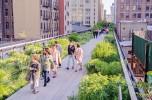 A piedi nel verde sopra New York