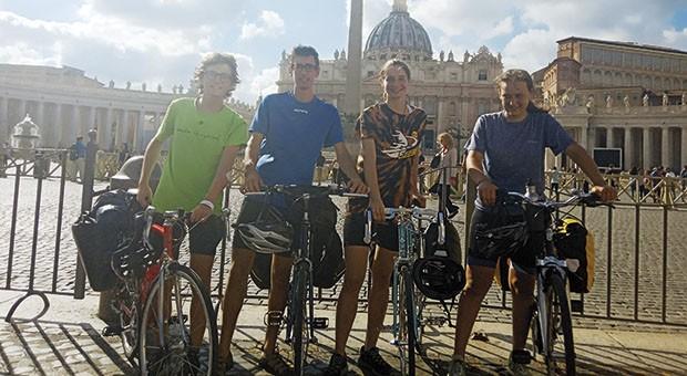Fridays for Future Bergamo …a Napoli in bicicletta