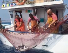 «Noi piccoli pescatori artigianali stiamo morendo»