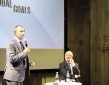 Da sinistra: Rettore Prof. Maurizio Tira, Professor Francesco Castelli