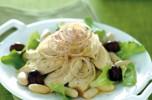 Insalata di pollo con scalogno e olive