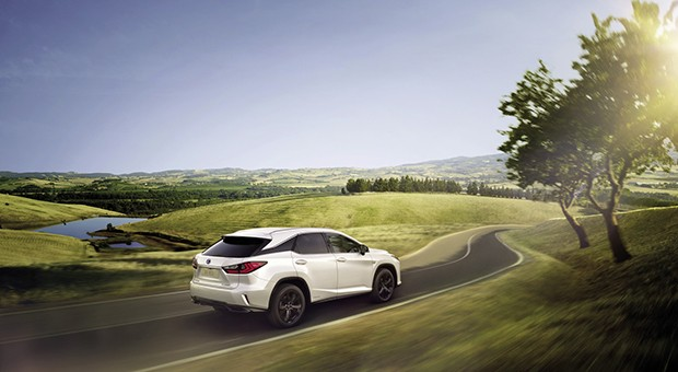 L'ibrido targato Toyota e Lexus