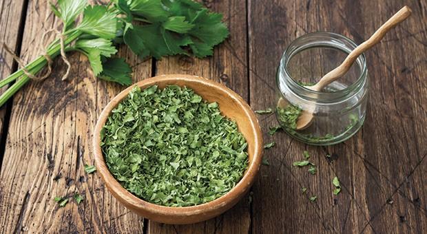 Pesto di foglie di sedano